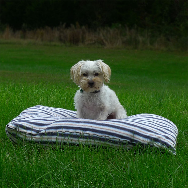 25in-x-30in-Super-Soft-Fleece-Dog-Beds