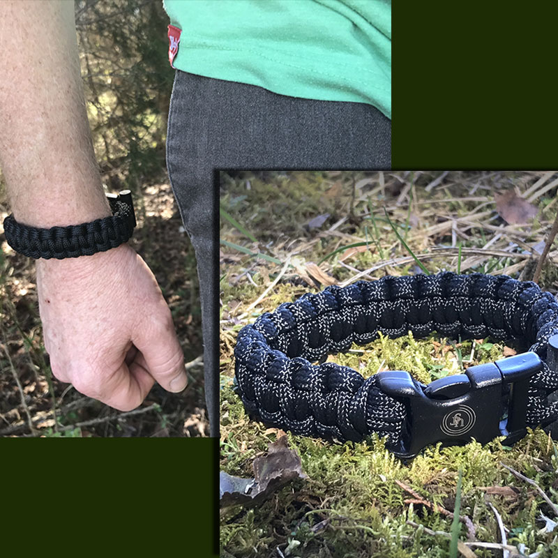 Survival Paracord Bracelet wit...