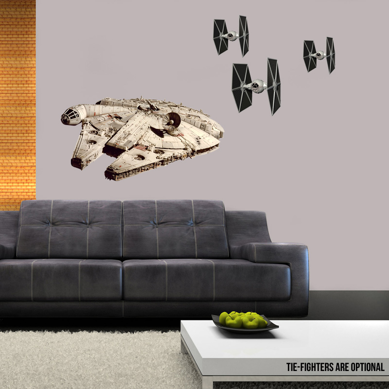 Millennium-Falcon-Large-Wall-Cling