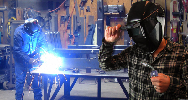 Flip Front Welding Helmet - Protection against Welding Rays and Sparks